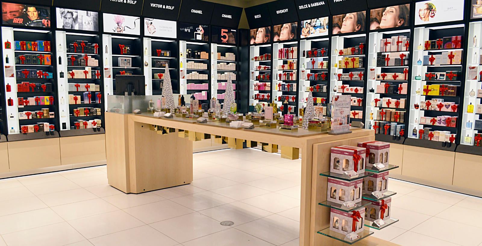 Pharmacy & Cosmetic
